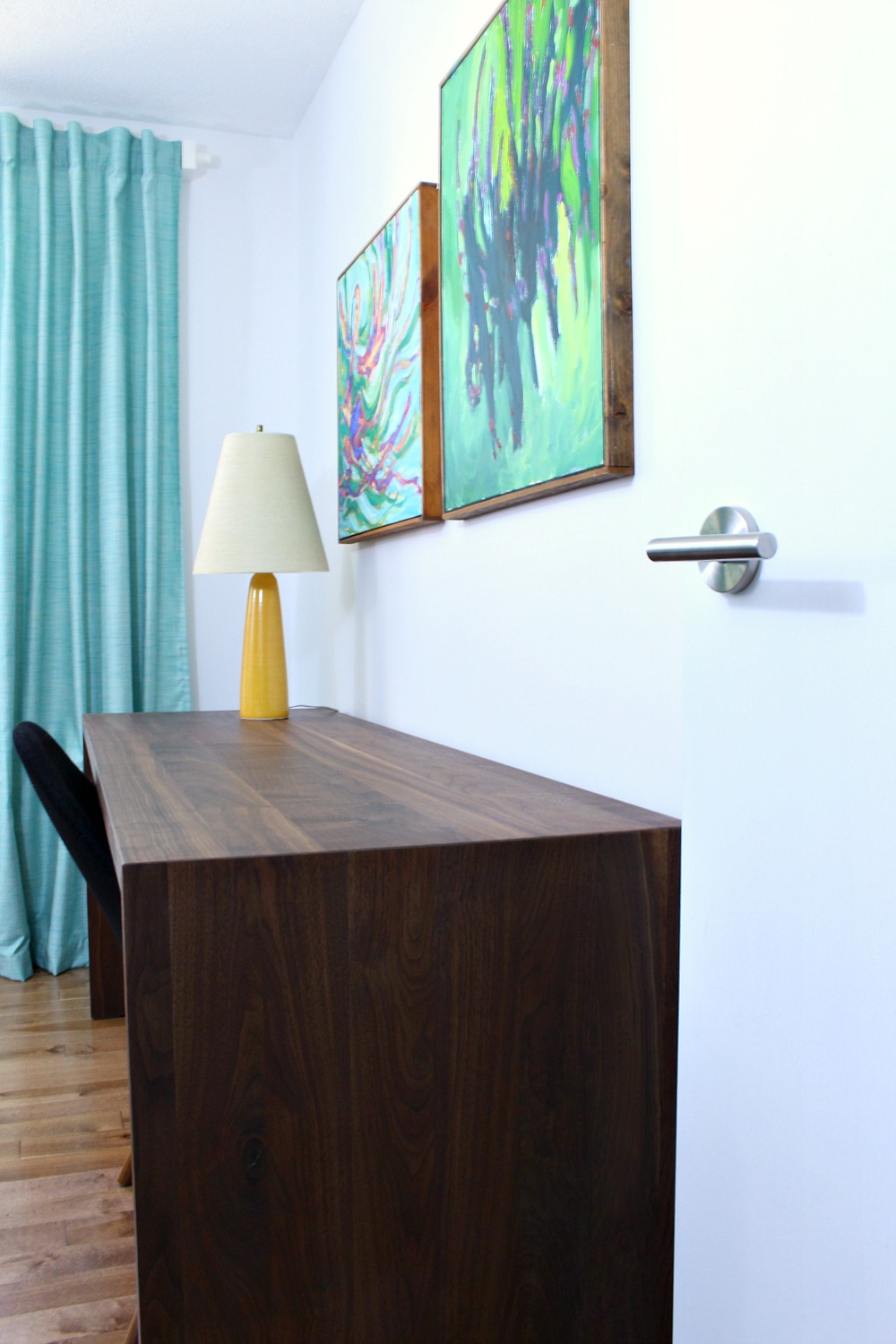 DIY Solid Walnut Desk Tutorial + Photos // www.danslelakehouse.com // @danslelakehouse