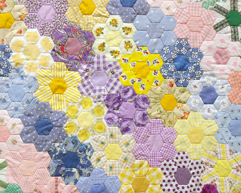 Hexagon Quilt 1950 by Flora Eggers | Making the Australian Quilt 1800-1950 | © Red Pepper Quilts 2016