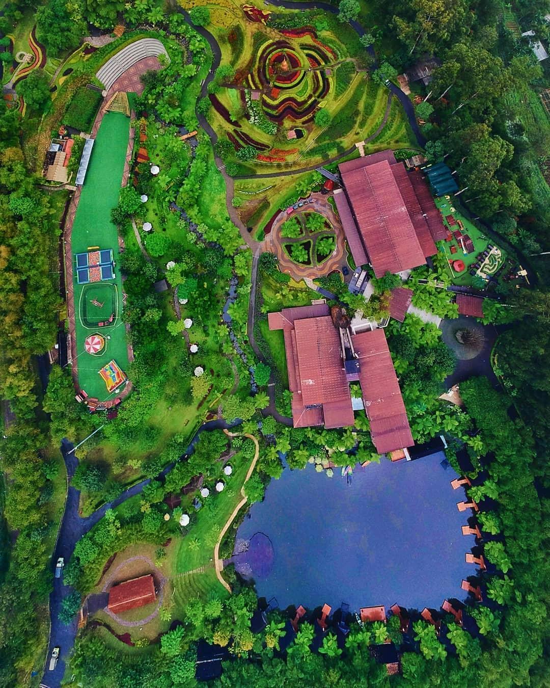 Harga Tiket Masuk Dusun Bambu Lembang Terbaru 6 - Wisatainfo