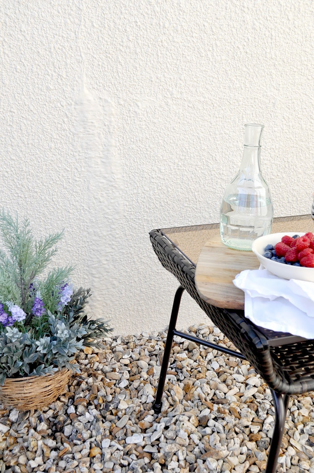 mini garden, outdoor spaces, courtyard, garden furniture