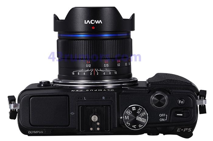 Объектив Laowa 10mm f/2.0 C&D-Dreamer с камерой Olympus, вид сверху