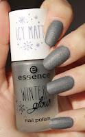 http://lacquediction.blogspot.de/2017/01/essence-winter-glow-nail-polish-02-i.html