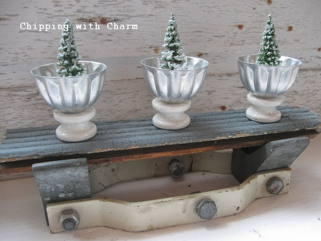 Chipping with Charm:  Mystery Junk, mini molds and more insulators for Christmas...http://www.chippingwithcharm.blogspot.com/