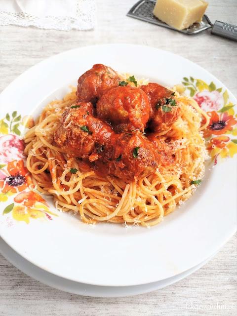 Spaghetti z klopsikami przepis