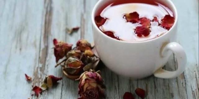 तो इस तरह से आपकी इन बीमारियों को चुटकी में दूर करेंगी गुलाब की चाय