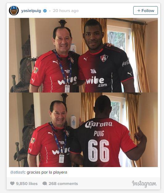 Puig a través de su cuenta de Instagram publicó una imagen con la jersey de Atlas Fútbol Club