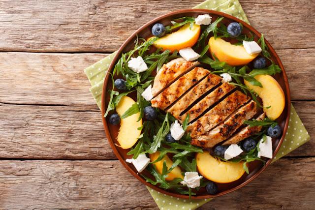 Tips για να τρως το βράδυ χωρίς να πάρεις βάρος!