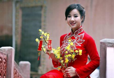 要順利娶到年輕漂亮越南新娘不是到處要照片,自己躲起來慢慢挑的自爽!