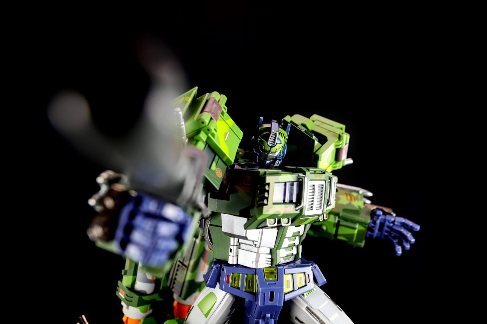 TFC Toys STC-01B ST COMMANDER Rolling Thunder Optimus Prime Jungle Ver.