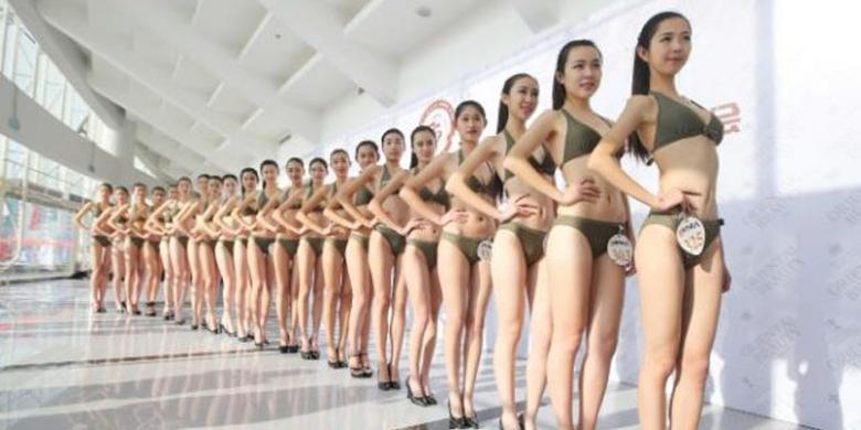 1.000 Wanita Tionghoa Berbaris Kenakan Bikini, Ada Apa?