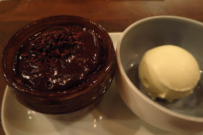Lolla, steamed chocolate pudding