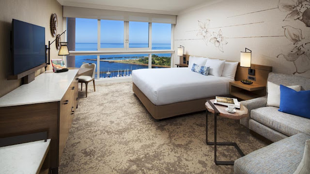 Prince Waikiki is the premier Waikiki hotel for romantic getaways, family trips or business retreats in Honolulu.