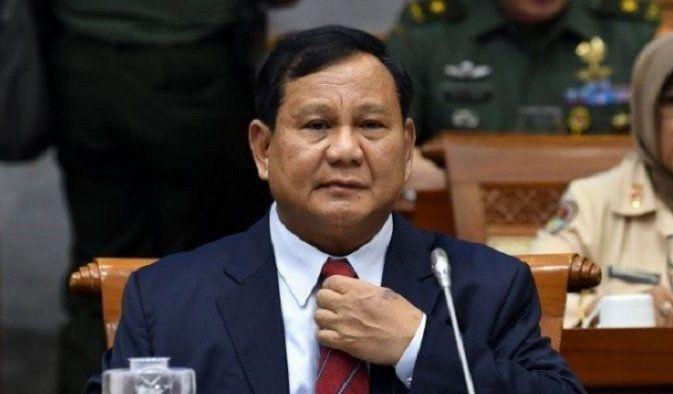 """Prabowo Bagikan Potret Lawas """"Keluarga Cendana"""", Sosok Ini Jadi Perhatian Warganet"""