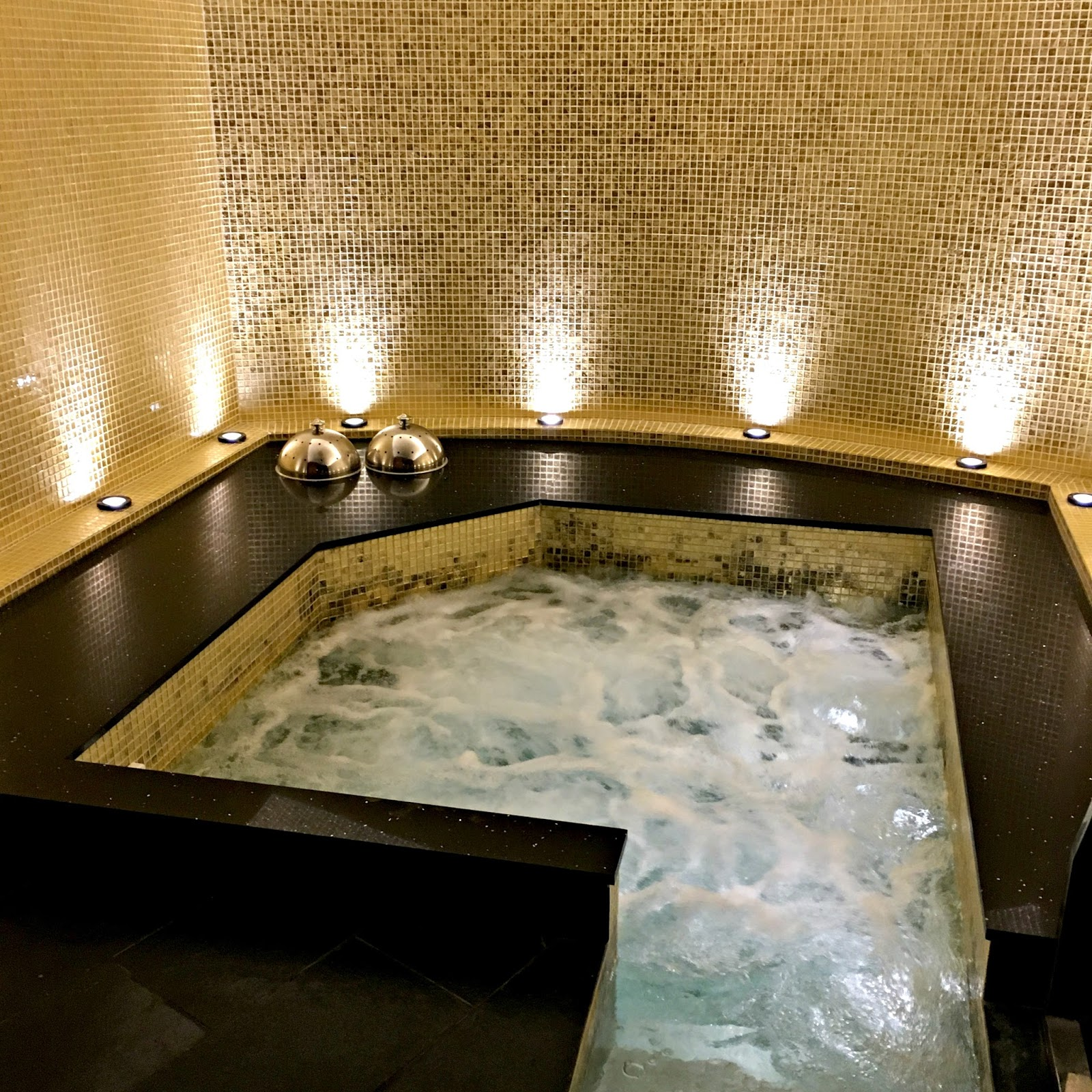 Thai Square Spa, London, review, Jacuzzi