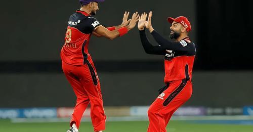 IPL 2021: पटेल की हैट्रिक और कोहली की 'ऐतिहासिक' पारी ने RCB को दिलाई जीत
