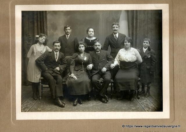 grande Photo de famille noir et blanc