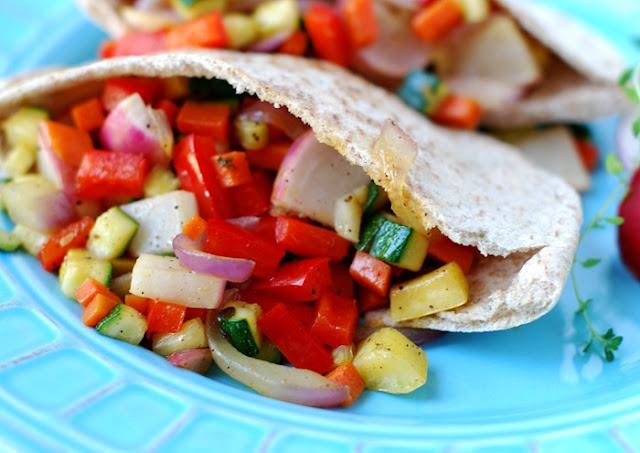 healthy homemade lunches, smokey salmon lettuce wraps, veggie-stack pita pockets