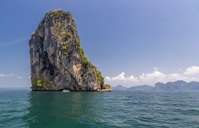 Snorkel and Dive close Cong Do Island, Cong Do Island Halong Bay, Cong Do Island, water ride,