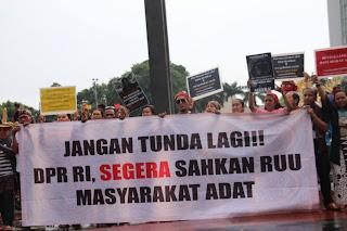 RUU Masyarakat Hukum Adat Jalan Di Tempat