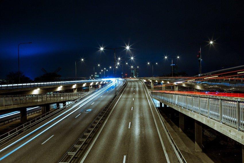 Oświetlenie uliczne led - ważny krok ku bezpieczństwu na drodze