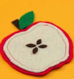 http://lasmanualidades.imujer.com/5642/posavasos-de-fieltro-con-forma-de-manzanas