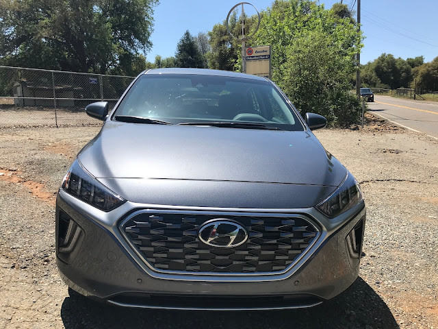 Front view of 2020 Hyundai Ioniq HEV Limited