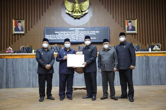 Wali Kota Mengapresiasi  DPRD Kota Bandung Atas Pengesahan Perda KTR dan P4GNPN