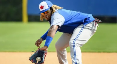 Azulejos cambian de posición a Vladimir Guerreo Jr; será su  primera base