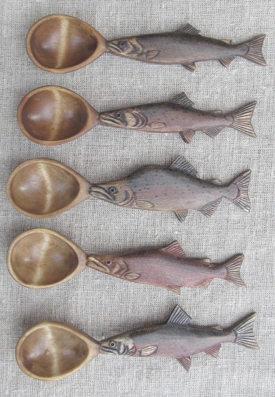 Деревянные резные ложки для рыбацкой ухи