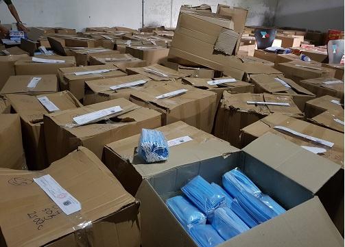Gần 900.000 khẩu trang y tế không rõ nguồn gốc ở TP.HCM