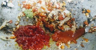 Adding Red Chilly Paste and red chilly sauce for chicken hot and sour soup recipe