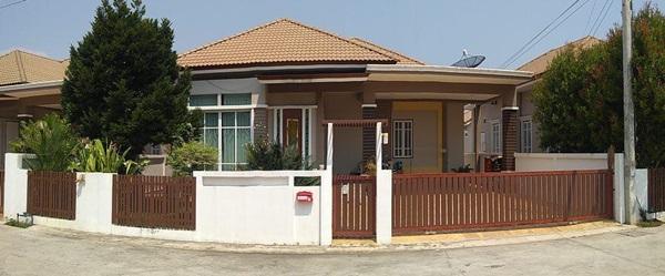 ขายบ้านเดี่ยว ตั้งอยู่ในโครงการหมู่บ้านเตชินี 7 เนื้อที่ 68.80 ตร.วา ตั้งอยู่ที่ ถ.สุขจิต อ.เมืองประจวบคีรีขันธ์ โทร.0967173003