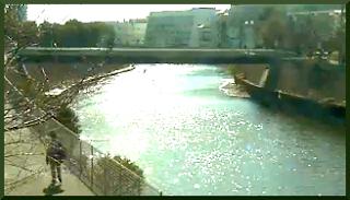 ライブカメラから見える境川