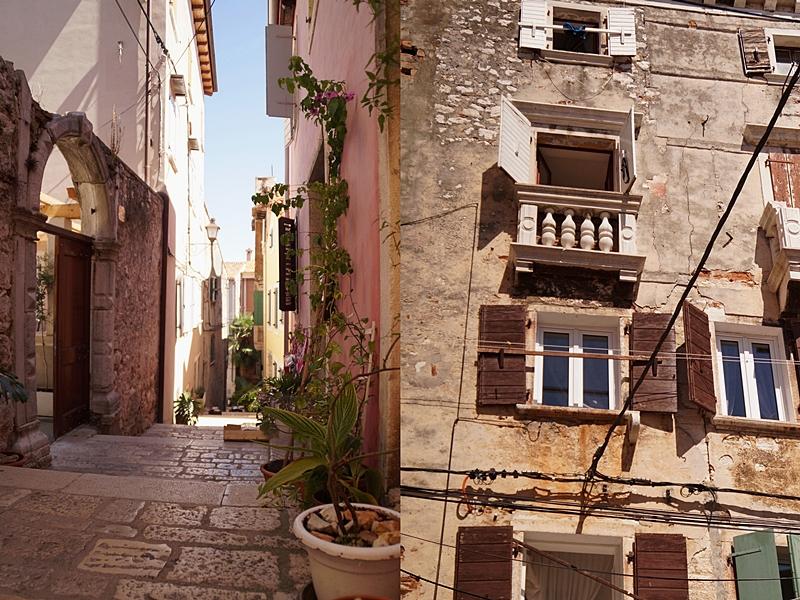 Kühlende Gässchen und historische Steinfassaden in der Altstadt von Rovinj, Kroatien
