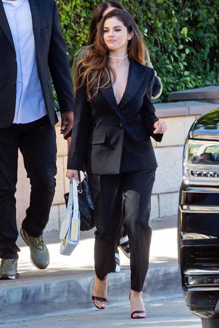 Selena Gomez đầy gợi cảm với trang phục suit đen sau khi phát hành ca khúc ám chỉ Justin Bieber 1