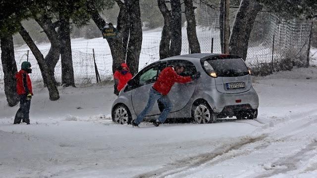 Ποιοι δρόμοι παραμένουν κλειστοί στην Πελοπόννησο από τα χιόνια