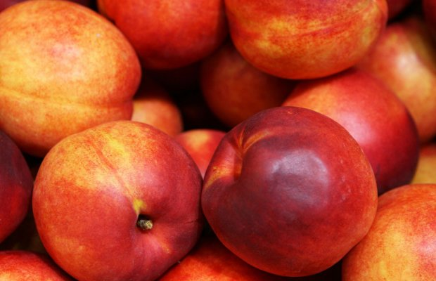 10 τόνοι φρούτα διαθέτει το Εργατοϋπαλληλικό Κέντρο Αργολίδας σε εργαζόμενους, άνεργους και συνταξιούχους