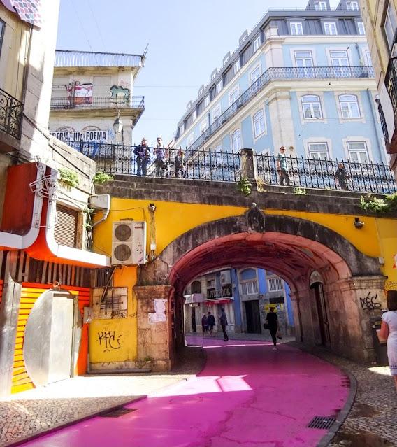 Pink Street Lisbon R. Nova do Carvalho 24