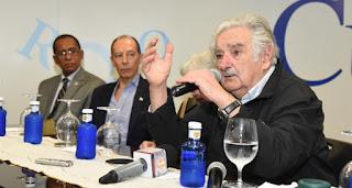 Pepe Mujica llega al País y presenta libro sobre su vida