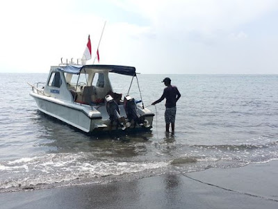 Boat to Krakatau Island