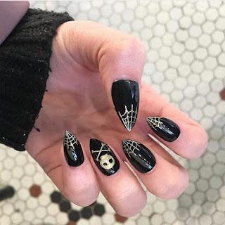 Spider Web Gel Nails Design