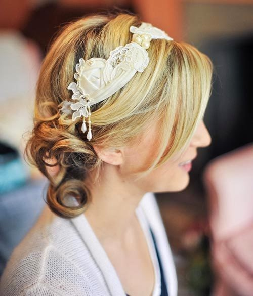 5 Hair Buns For Short Hair With Styling Tips