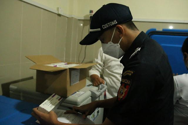 Bea Cukai Batam Percepat Layanan Impor Sebanyak 122.400 Dosis Vaksin Asal Singapura Tiba di Batam