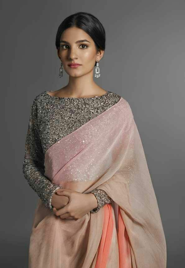 7b43d629e2f52 The best way to wear a plain saree to a party or a wedding is to pair it  with a embellished or sequinned blouse. A heavily sequinned blouse lends  the ...