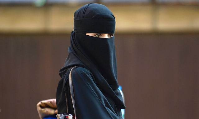 बाइक न मिलने पर तीन तलाक देकर शौहर ने काटी महिला की नाक  - newsonfloor.com