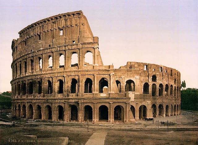 Colosseum in rome :World wonders