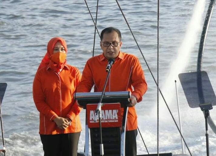 Pasangan Bakal Calon Danny-Fatma saat Deklarasi di Pantai Losari Kota Makassar