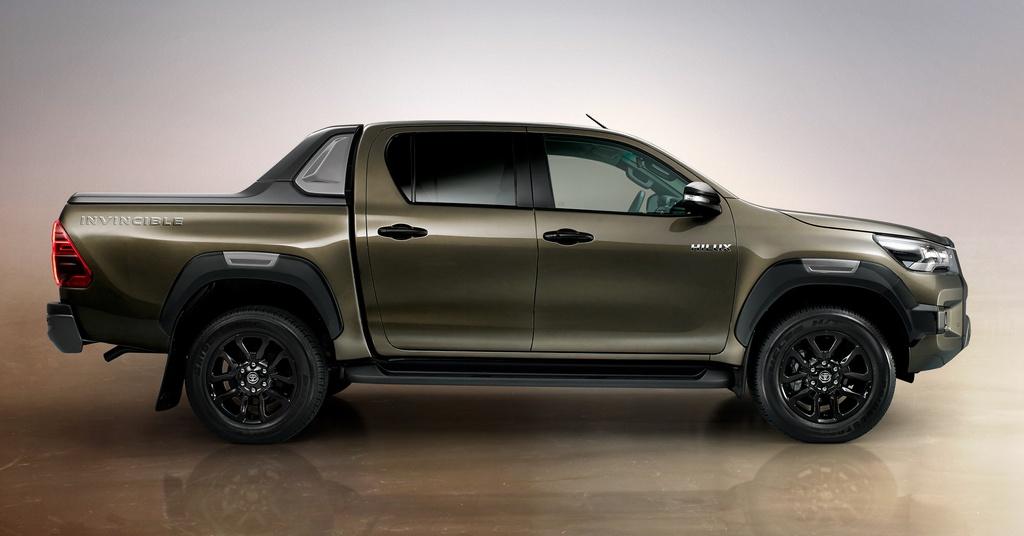 Toyota Hilux 2020 sắp ra mắt Malaysia, có thể về VN vào cuối năm
