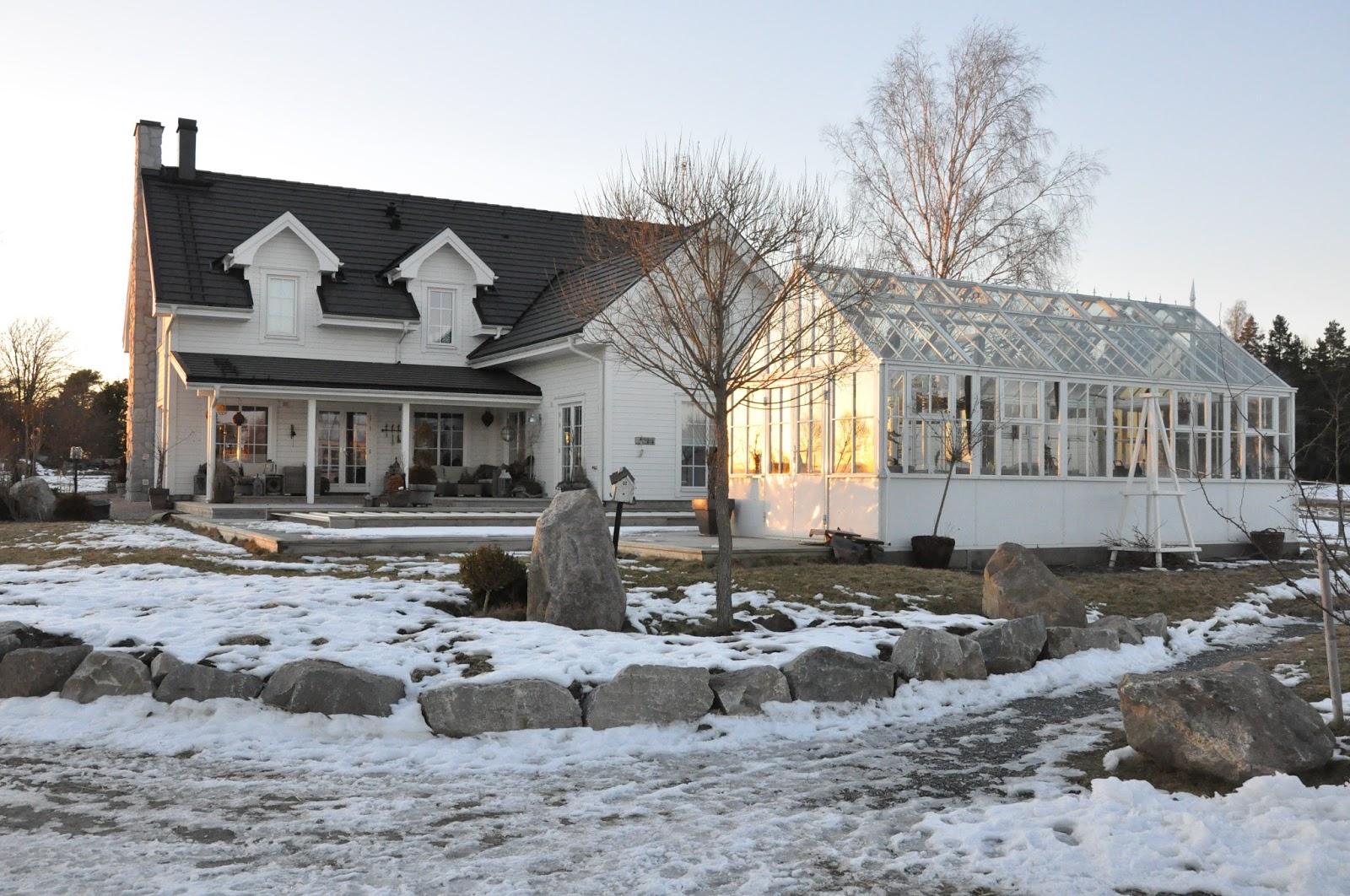 Den vita drömgården: verandaliv i februari