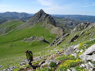 Peña Ubiña Pequeña (2193 m)